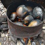 Dừa nướng được chế biến vô cùng đơn giản
