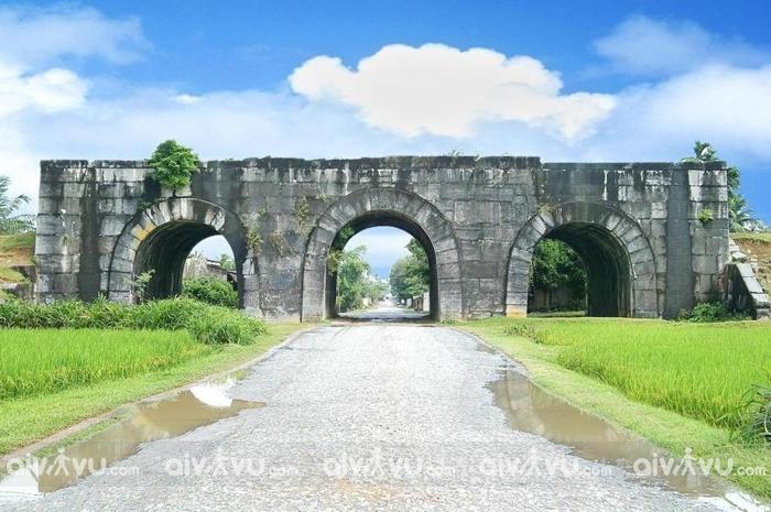Thành Nhà Hồ điểm đến nổi tiếng tại Thanh Hóa