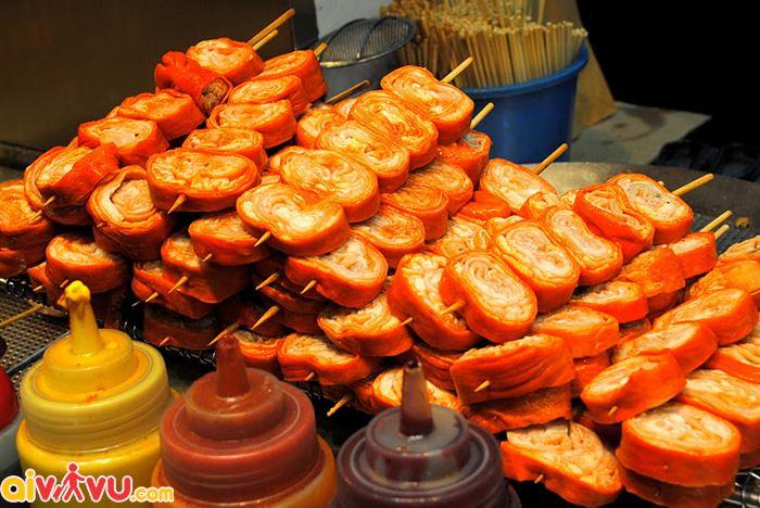 Lòng heo chiên một trong những món ăn đặc sắc của Hong kong