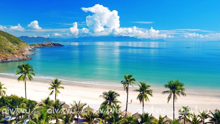 Bãi biển Mỹ Khê nằm trong danh sách Top 6 bãi biển quyến rũ nhất hành tinh