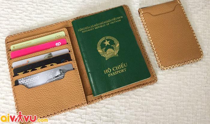 Có thể thêm tên trẻ vao hộ chiếu của bố, mẹ