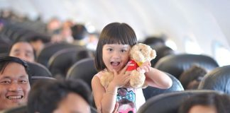 Trẻ em có thể dùng giấy khai sinh trích lục để đi máy bay