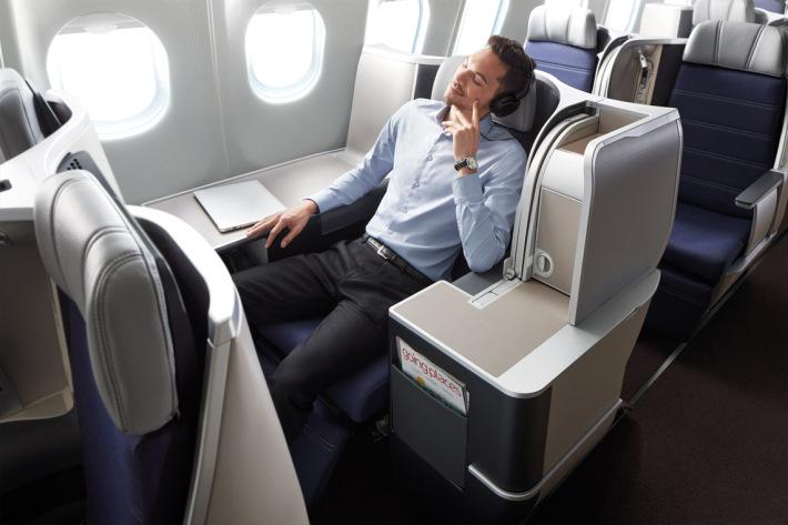 Một hành khách trong hạng ghế thương gia
