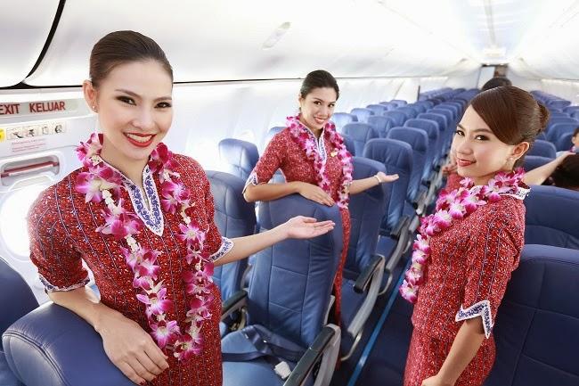 Các tiếp viên của Thai Lion bên trong tàu bay