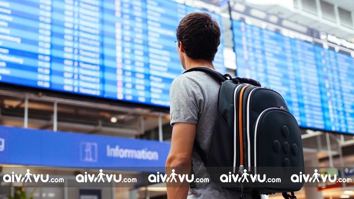 Khi đến sân bay muộn hãy nhờ đến sự giúp đỡ của nhân viên làm thủ tục