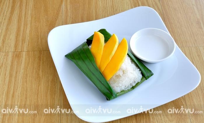 Chè Xôi Xoài món ăn đường phố nổi tiếng tại Thái Lan