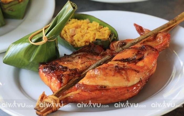 Khi mua vé máy bay đi Viêng Chăn khứ hồi nên ăn gì?
