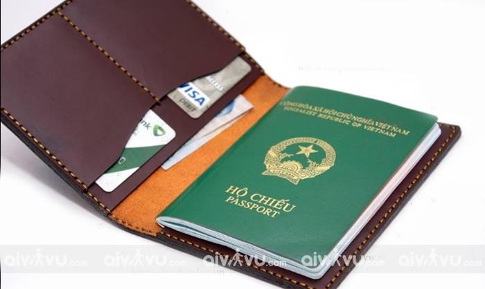 Hộ chiếu giấy tờ quan trọng để làm thủ tục nhập cảnh
