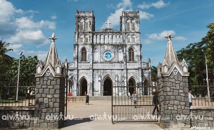 Nhà thờ Mằng Lăng Phú Yên một trong những nhà thờ cổ kính nhất Việt Nam