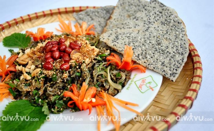 Bánh đa xúc hến món ăn dân dã của người dân xứ Nghệ