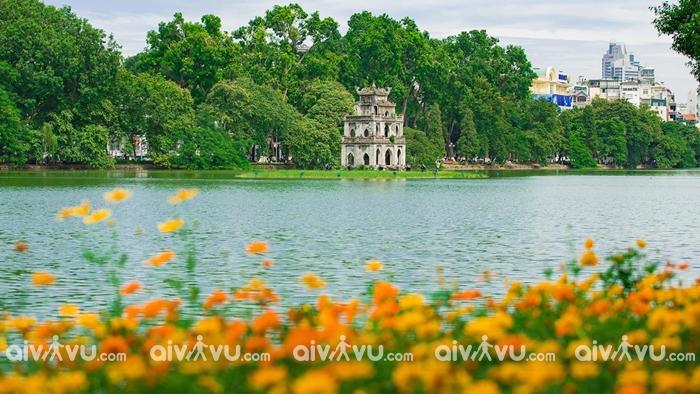 Hồ Hoàn Kiếm vẻ đẹp cổ kính của thủ đô Hà Nội
