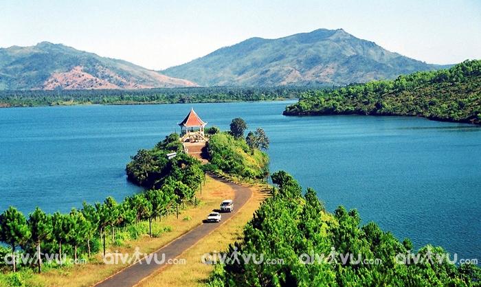 Biển Hồ T'nưng địa điểm hấp dẫn nhất Pleiku