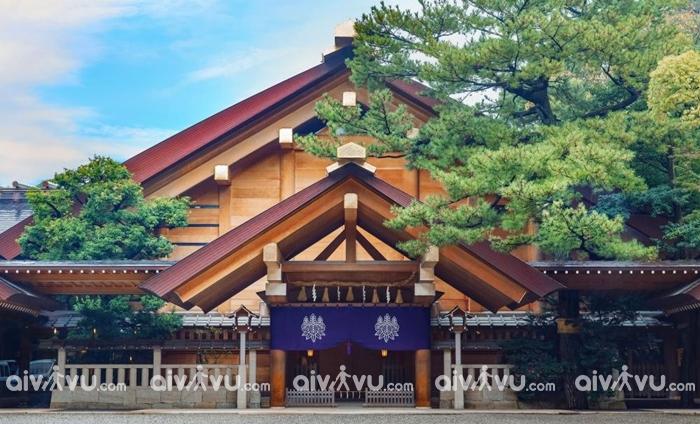 Đền Atsuta được xem là ngôi đền quan trọng của Nhật Bản