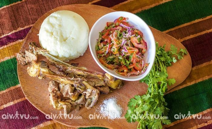 Ugali món ăn tiêu biểu và tại Kenya