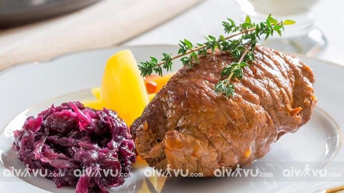 Rindsrouladen là món ăn không chỉ phổ biến tại Dusseldorf