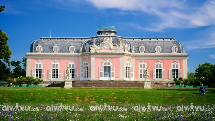 Cung điện Benrath điểm du lịch thu hút du khách tại Dusseldorf