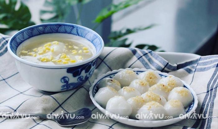Bánh trôi nóng đặc trưng ẩm thực Hà Nội mùa thu