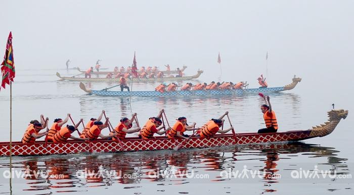 Đến Huế du lịch 2/9 trải  nghiệm lễ hội đua ghe thuyền truyền thống