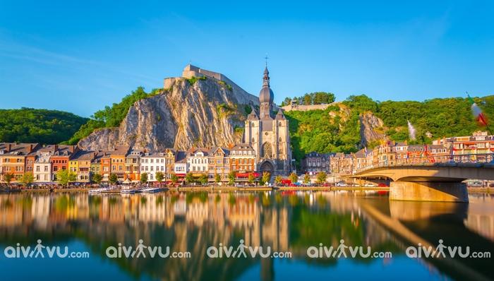 Thành phố Dinant nhỏ xinh