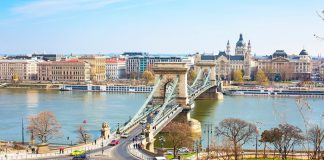 Vé máy bay đi Budapest giá rẻ