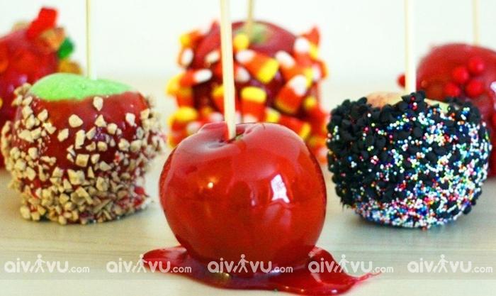 Kẹo táo cho trẻ em trong lễ Halloween