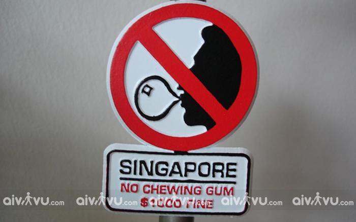 Kẹo cao su là vật tối kị cho những ai chưa biết khi lần đầu đến Singapore
