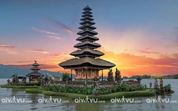 Bali khá nhiều chùa, bạn nhớ để ý trang phục cho phù hợp nhé!