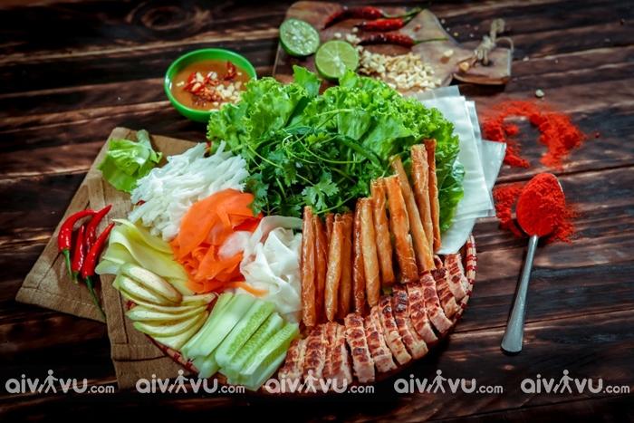 Món ăn làm nên tên tuổi - Nem nướng Nha Trang