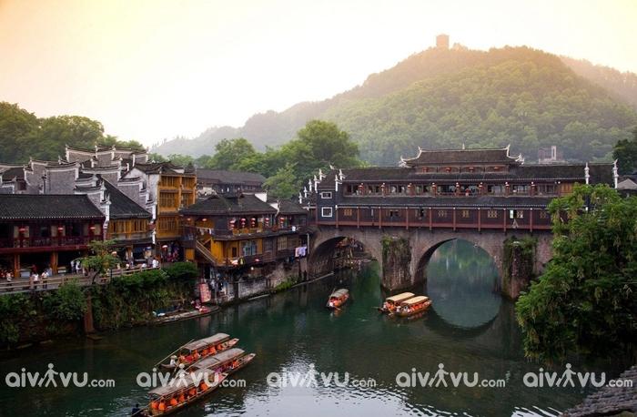Bắc Môn cổ thành với lối kiến trúc cũ khiến ta như lạc vào một bộ phim