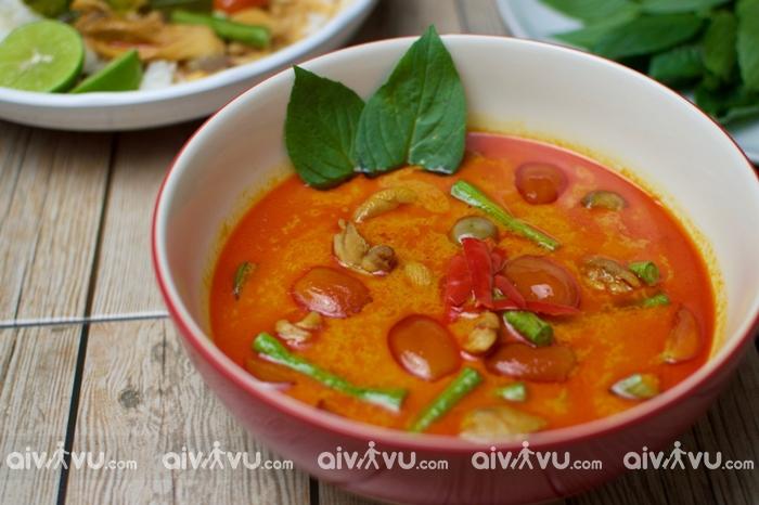Kaeng Phed (Cà ri đỏ)