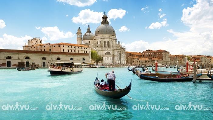 Khám phá huyền thoại kiến trúc tại Ý khi đi du lịch châu Âu