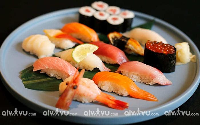 Sushi - món ăn truyền thống không thể không thử khi du lịch Nhật Bản