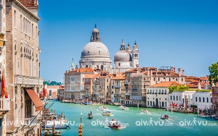 Tham gia các lễ hội mùa xuân ở Ý