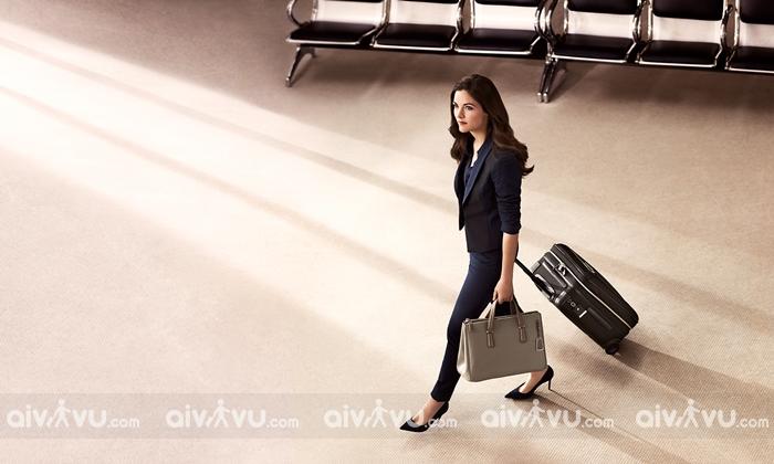 Các vật dụng khác được mang lên máy bay ngoài hành lý xách tay