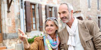 Có nên mua bảo hiểm du lịch cho người già/ người lớn tuổi không?