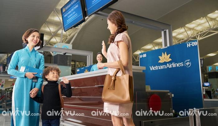 Lưu ý dành cho hành khách là trẻ em đi một mình trên chuyến bay