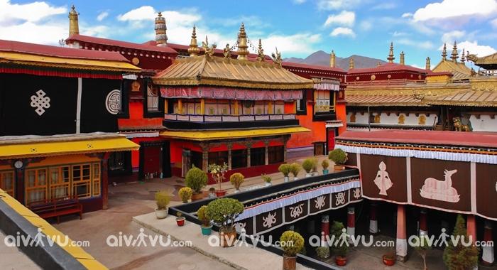 Đền Jokhang nơi hội tụ những tín đồ Phật giáo Tây Tạng