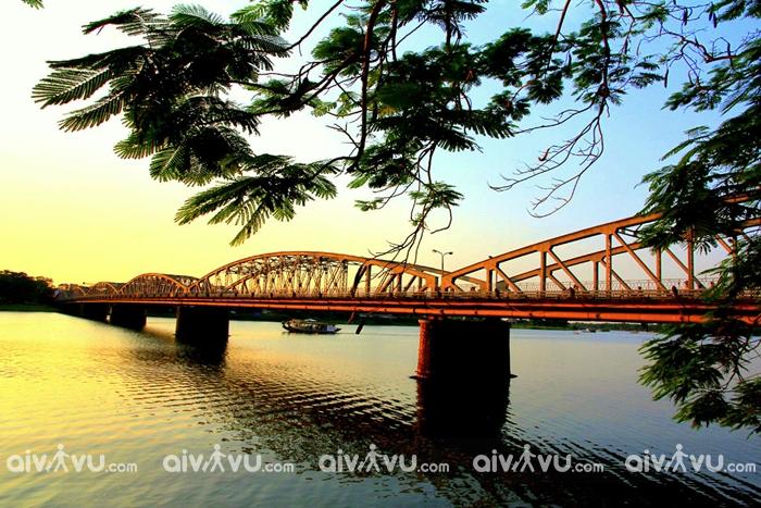 Du lịch Huế - Thành phố đậm chất thơ với vẻ đẹp nhẹ nhàng, lãng mạn