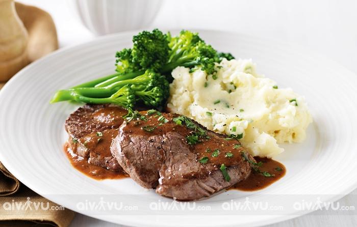 Tìm hiểu các bữa ăn của người Anh