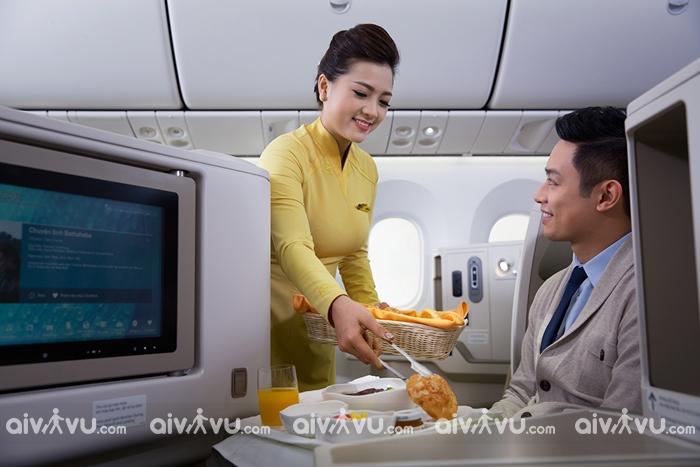 Vietnam Airlines miễn phí thêm đồ ăn cho hành khách