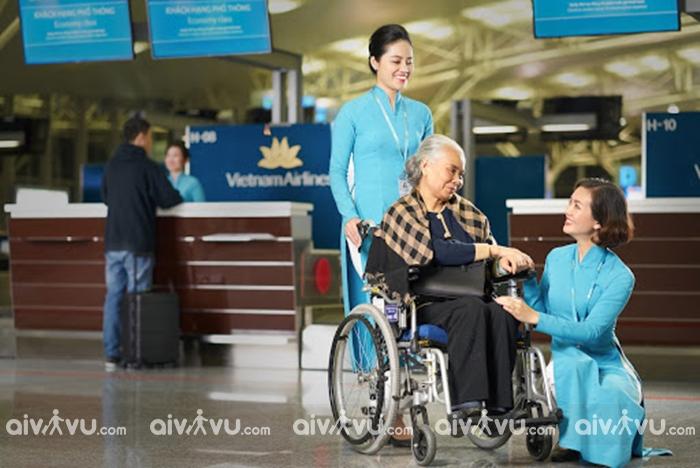 Vietnam Airlines hỗ trợ hành khách đặc biệt với các dịch vụ ưu tiên