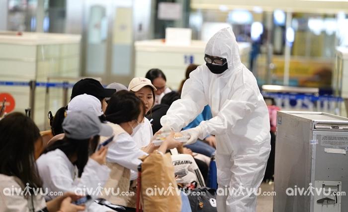Tạm dừng cấp thị thực cho người nước ngoài vào Việt Nam