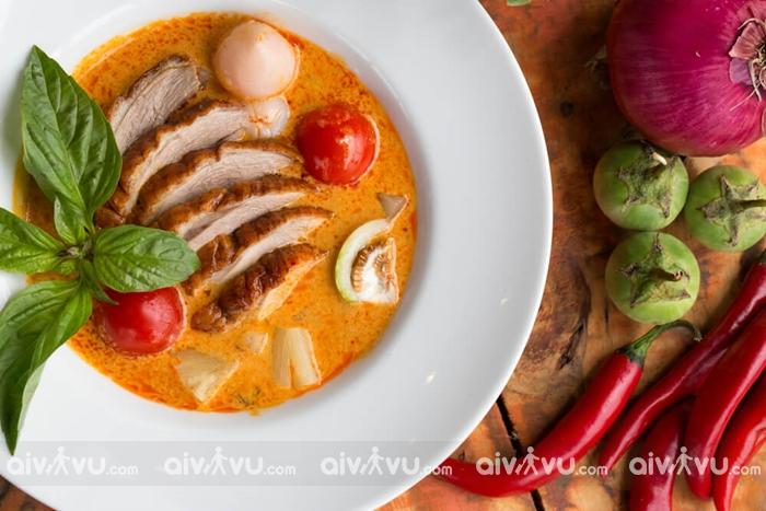 Kaeng Phed (Cà ri đỏ) - Món ăn mang ý nghĩa may mắn trong năm mới