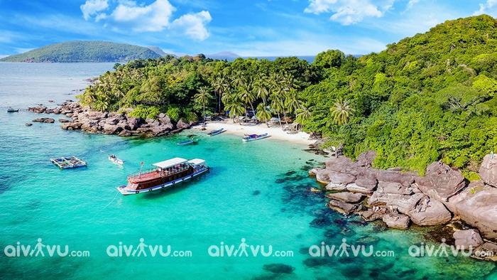 Bãi biển Côn Đảo có gì?