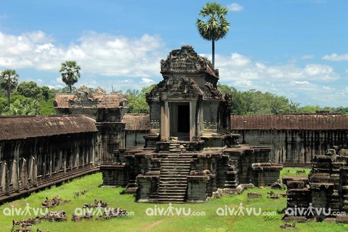 Đền cổ Angkor Wat với kiến trúc đậm chất người Khmer Đỏ
