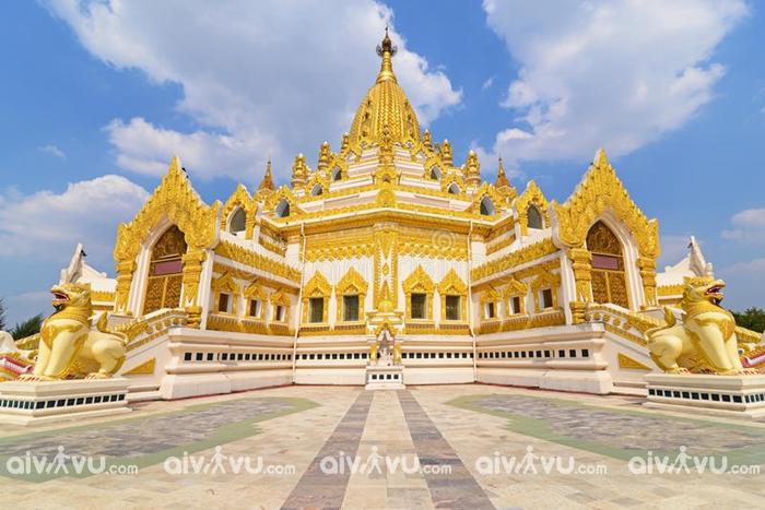 Chùa Swe Taw Myat với các bức tượng dát vàng