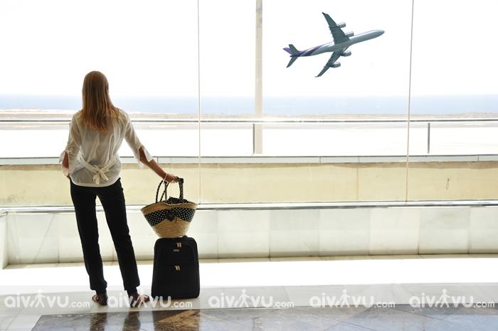 7 thứ nên tránh mặc tại sân bay