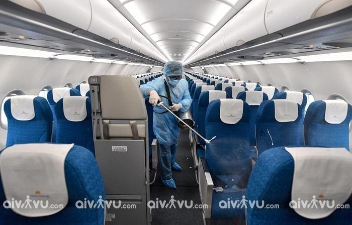 Đi máy bay giữa mùa dịch Covid-19 có thực sự an toàn?