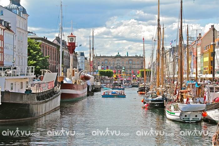 Điều gì khiến Đan Mạch tở thành quốc gia hạnh phúc nhất thế giới?