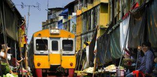 Điều lạ lùng ở Thái Lan với chợ đường ray xe lửa